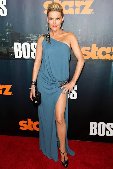Kathleen Robertson arrives at the premiere of Starz's &quot;Boss&quot; at ArcLight Cinemas on October 6, 2011 in Hollywood, California. 