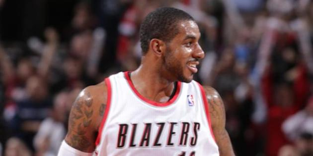 Block of the Night - LaMarcus Aldridge