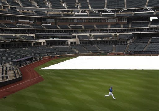 Giants-Mets postponed by rain, doubleheader Monday