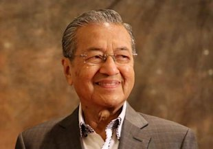 Tun Dr Mahathir Mohamad had written in his blog that governments have to take not of tribunals started by civil society. — Picture by Choo Choy May