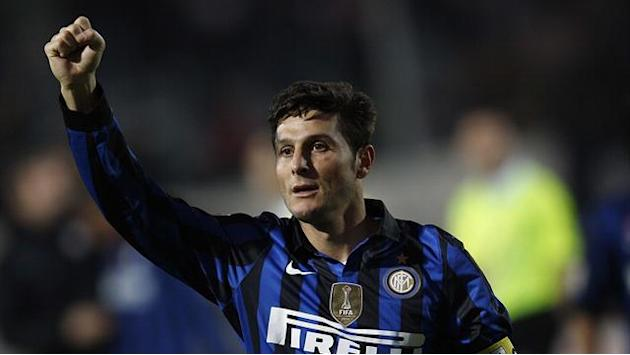 Serie A - Captain fantastic Zanetti signs Inter extension