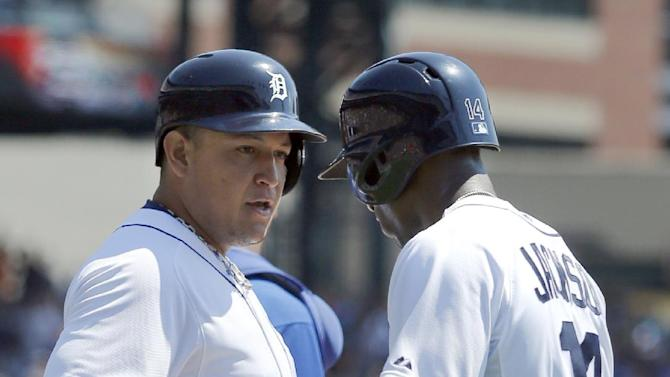 Cabrera's 40th HR leads Scherzer, Tigers over KC
