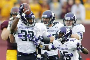 Mark, Northwestern hold on to beat Minnesota 21-13