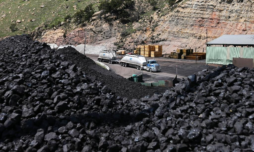 Ukraine accuses Russia of reducing coal deliveries as tensions rise