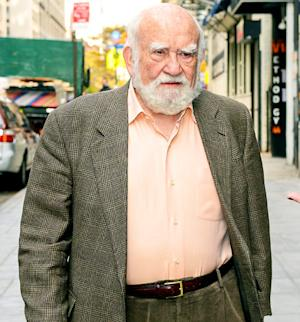 Ed Asner Hospitalized: Mary Tyler Moore Actor Treated for Exhaustion After One-Man Show