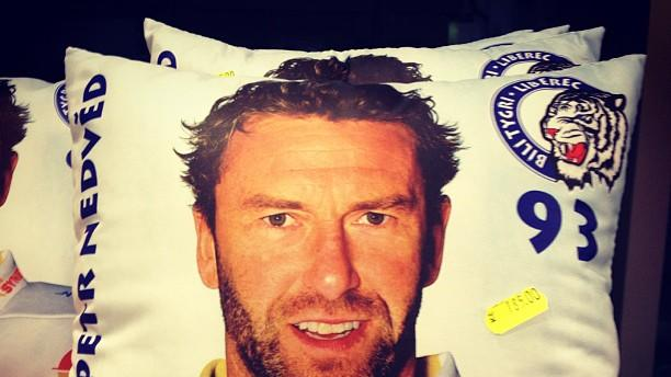 Petr Nedved pillow (#NickInEurope)