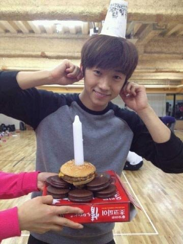 Wooyoung Gets a Hamburger Cake