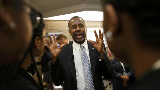 Republican U.S. presidential candidate and retired neurosurgeon Carson talks to students at Dr. Benjamin Carson High School of Science and Medicine in Detroit
