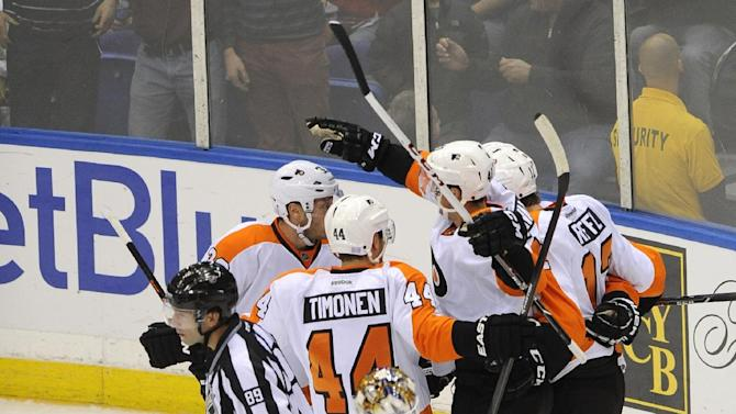 Lecavalier hat trick spurs Flyers' win over Isles