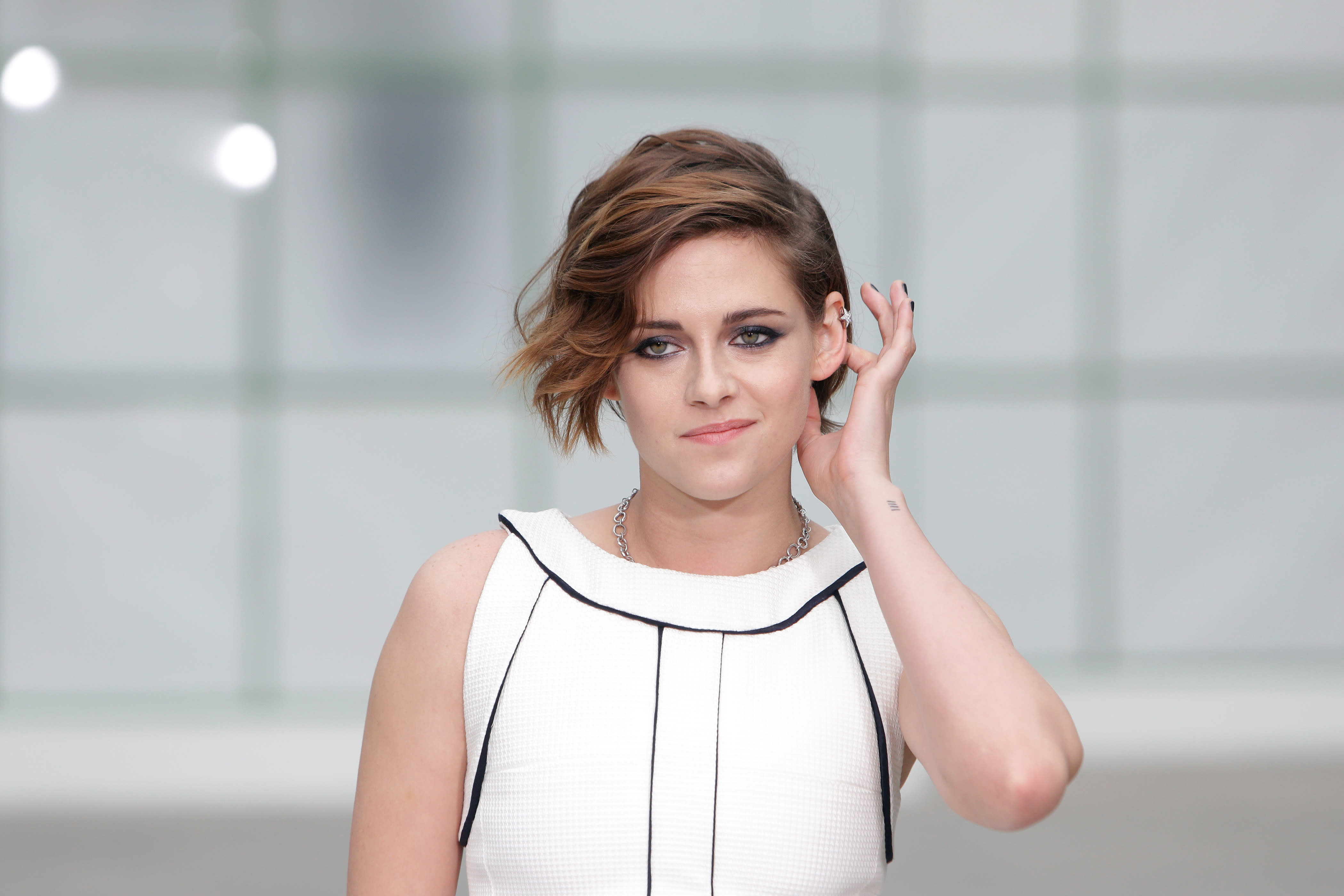Kristen Stewart, Robin Wright hit politically-minded couture