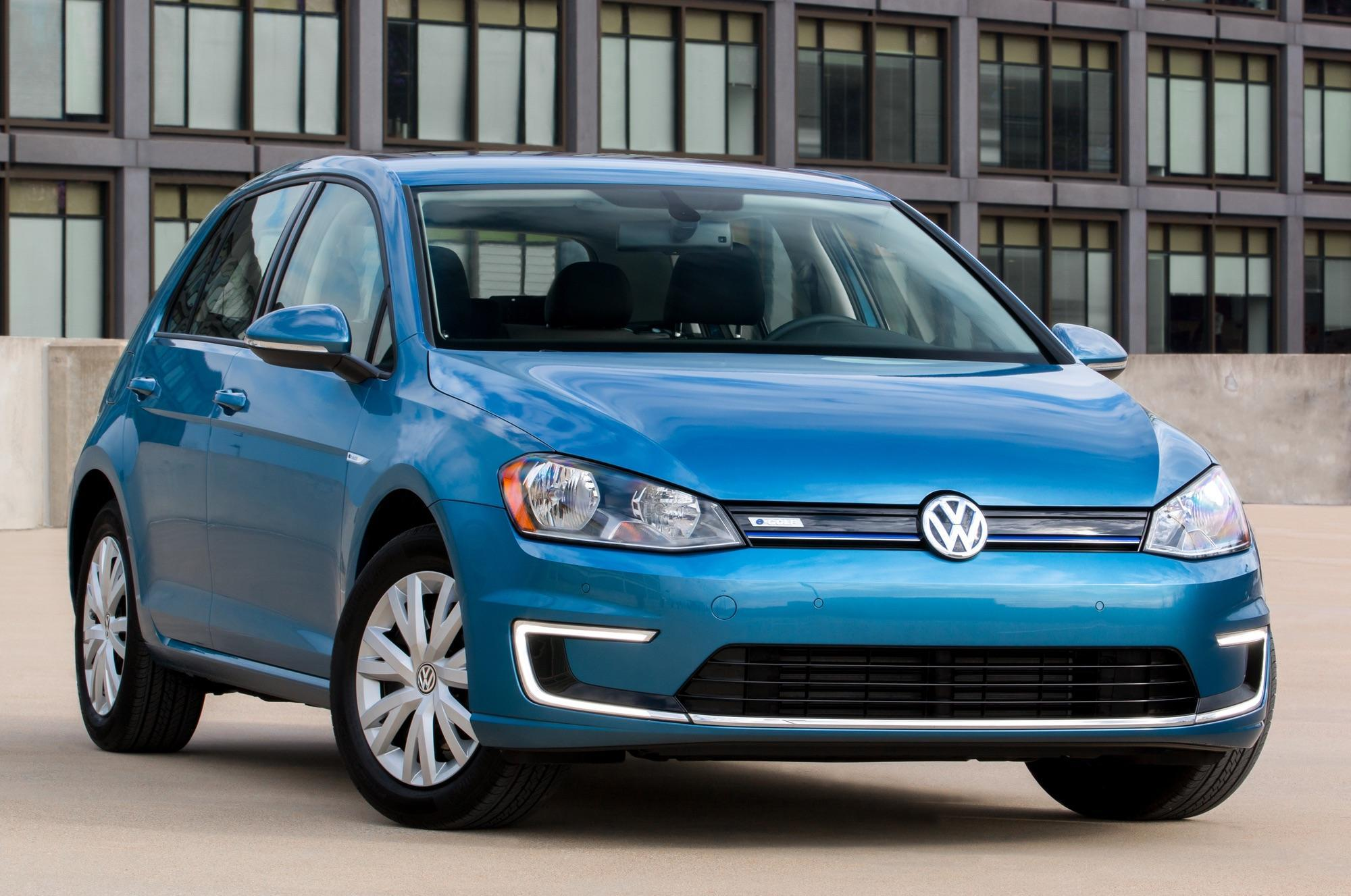 Volkswagen introduces a lower-cost, Limited Edition e-Golf