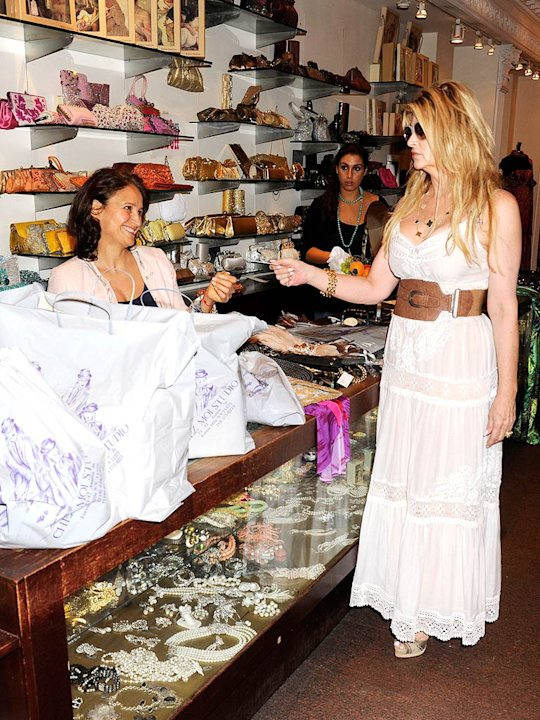 Kirstie Alley Shopping