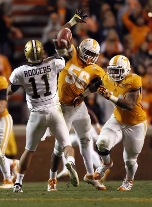 Vols' Couch sends apology on Twitter account