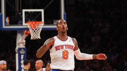Knicks hold off Grizzlies for 6th straight win