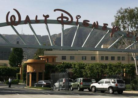 Disney revenue gets lift from theme parks, TV networks