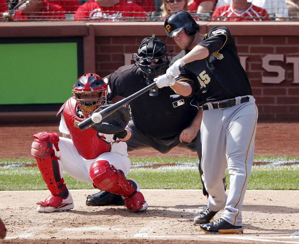 Cole silences Cardinals, Pirates tie series