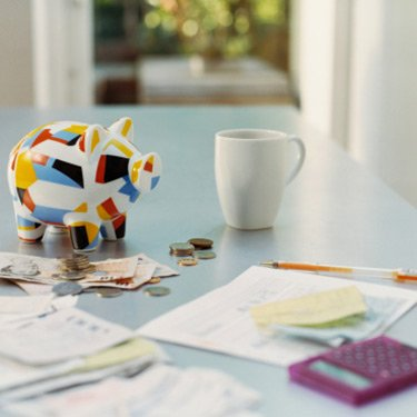 Pretty-piggybank-with-business-stuff_web