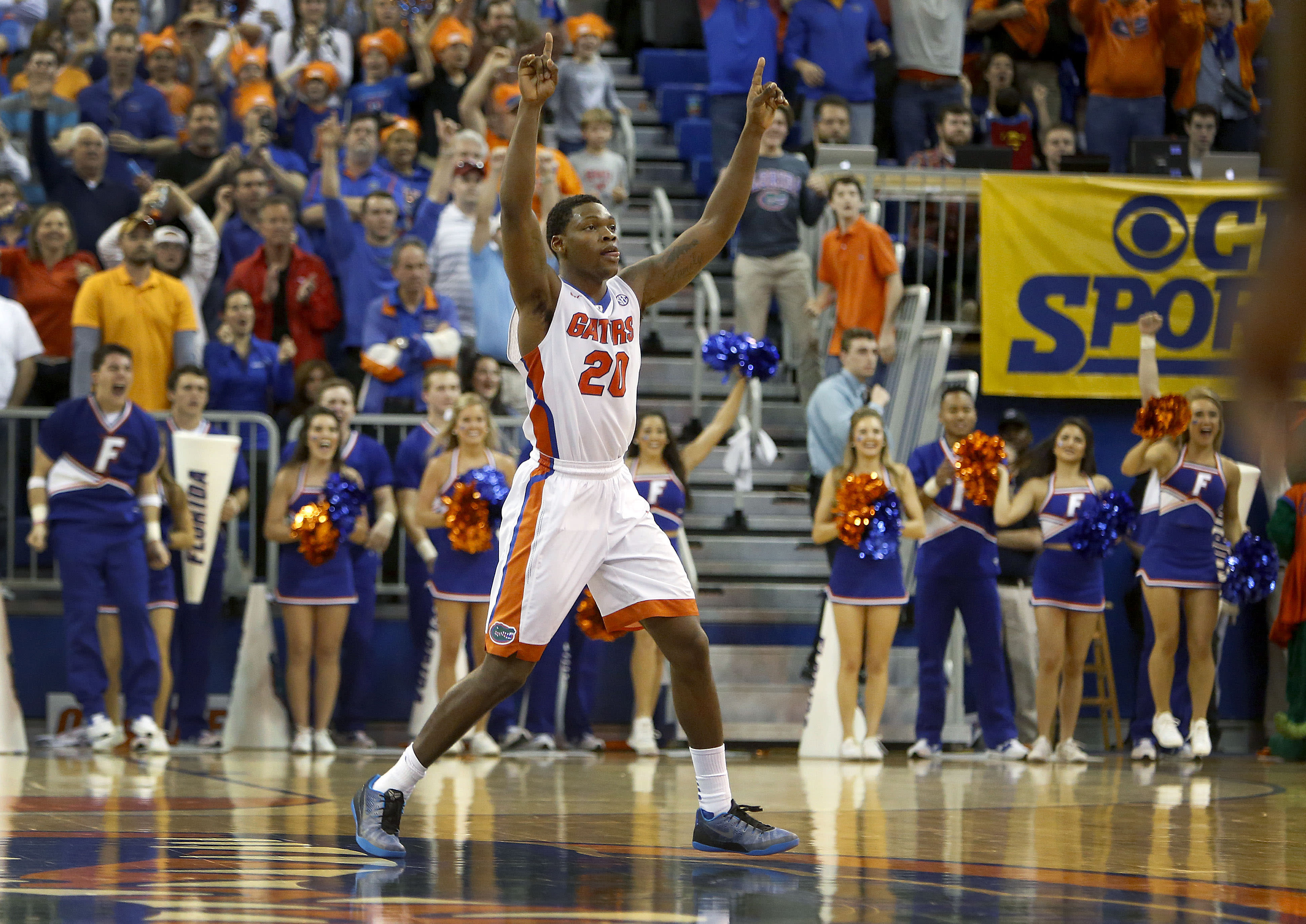 Frazier's free throws lift Florida over Arkansas, 57-56