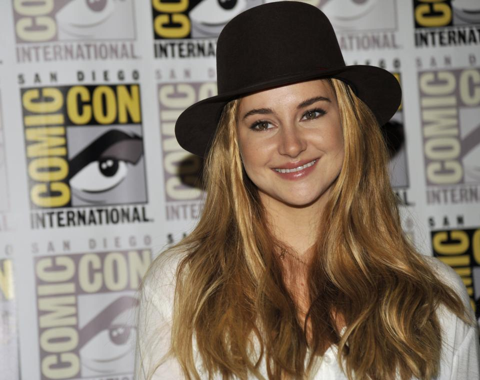 "Shailene Woodley attends the ""Divergent"" press line on Day 2 of Comic-Con International on Thursday, July 18, 2013 in San Diego, Calif. (Photo by Chris Pizzello/Invision/AP)"