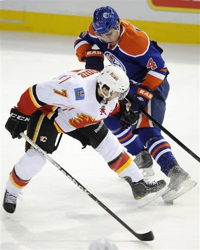 Stempniak has hat trick, Flames top Oilers 6-2