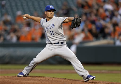Royals hit 3 HRs in 6-2 win over Orioles