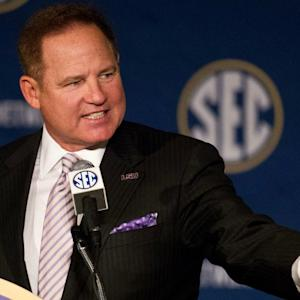 The Feed: LSU's Les Miles Has Awesome Response To Stupid Question