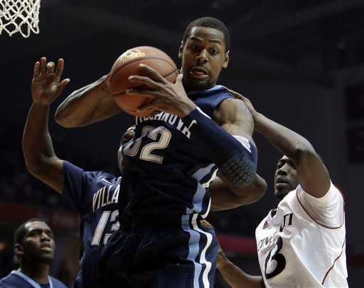Kilpatrick leads Cincinnati over Villanova 68-50