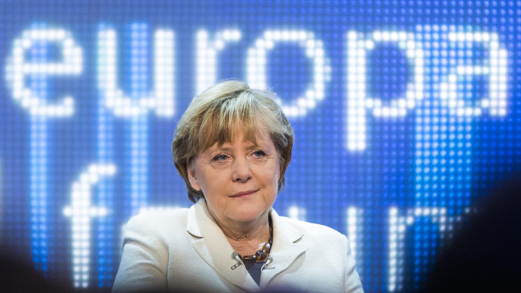 Merkel, Hollande at odds over Europe's way forward