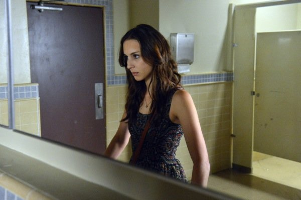 Pretty Little Liars: Spencer's Discovery of Toby's Betr'A'yal Marks the Start of Her 'Unraveling'