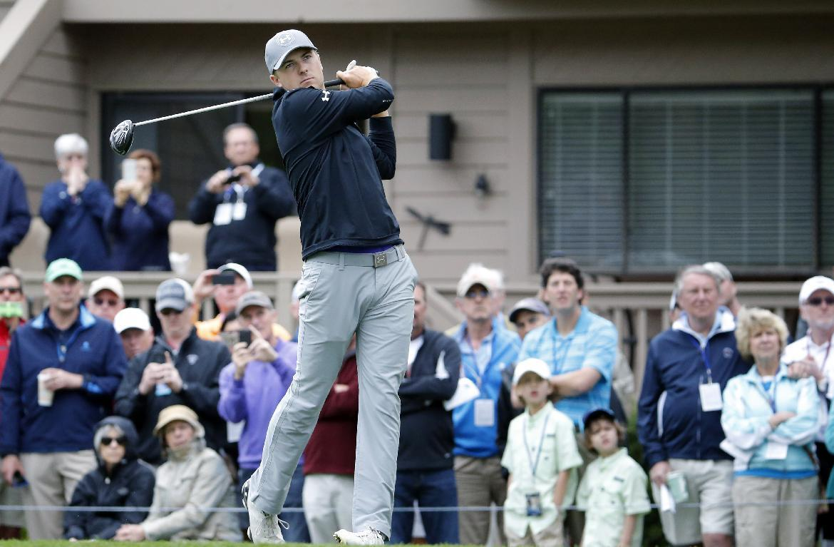 Jordan Spieth struggles in 1st round after Masters win