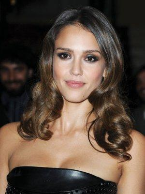 Berlin 2013: Jessica Alba Lined Up to Star in 'Weightless'