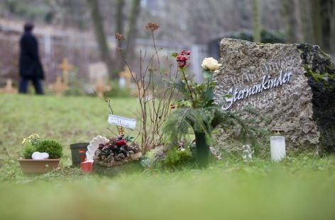 Ein Grab fr Sternenkinder, aufgenommen auf dem Meininger Friedhof