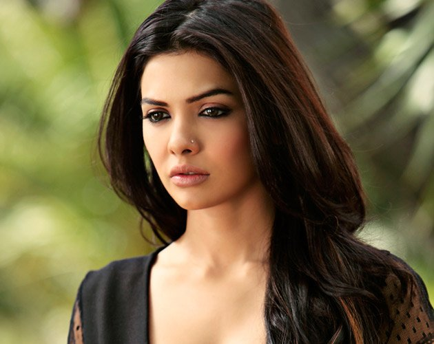 Meet Sara Loren
