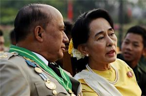 Suu Kyi attends Myanmar military parade