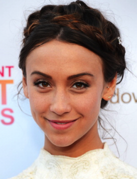 Stella Maeve To Star In CW …