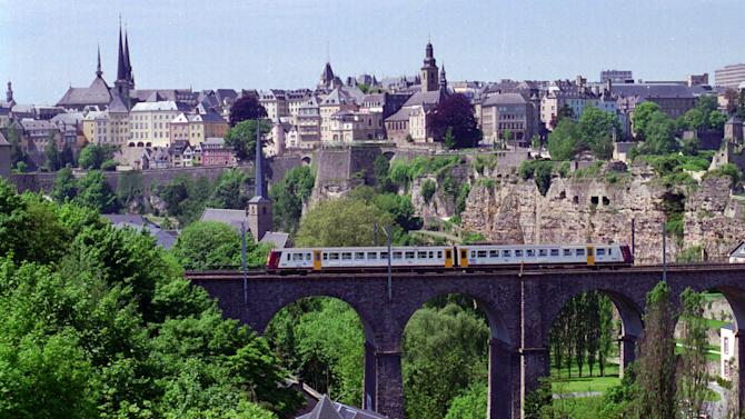 Luxembourg agrees to help fight tax cheats