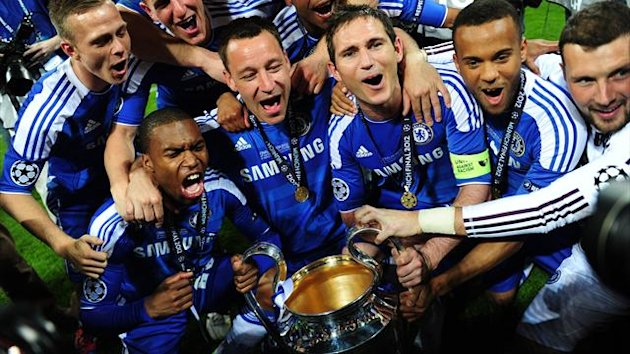 2011-12 Champions League Chelsea celebrate with trophy