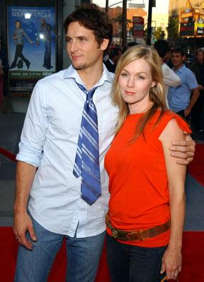 "Premiere: Peter Facinelli and Jennie Garth at the Hollywood premiere of HBO's ""Six Feet Under"" - 6/2/2004"