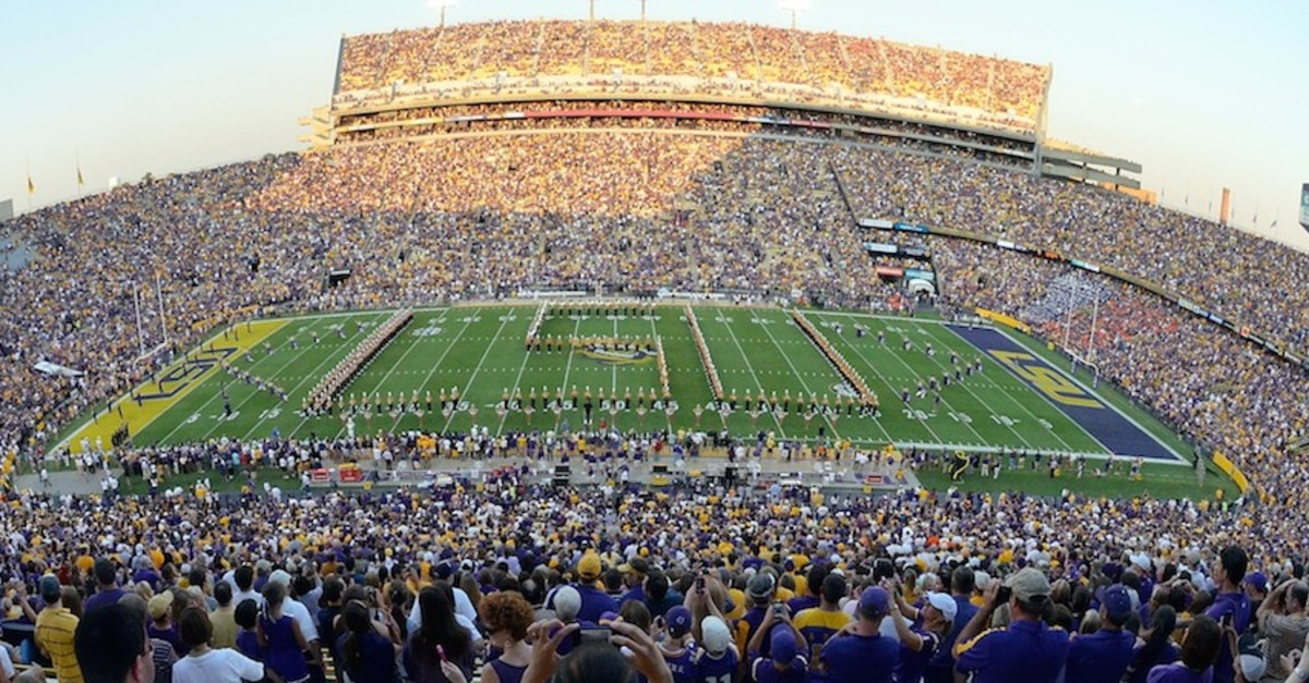 10 Best College Football Gameday Experiences