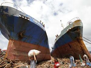 Photos Show Depth of Disaster in Philippines