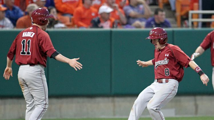 Gamecocks' pitching keys 1st 10-0 start since 2005