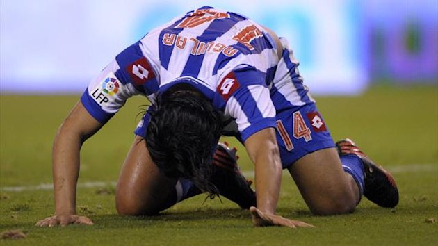 Deportivo Coruna&#39;s Colombian midfielder Abel Aguilar reacts
