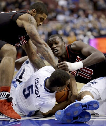 Villanova rallies late to beat No. 5 Louisville