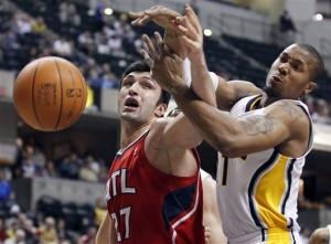 Granger leads Pacers past Hawks