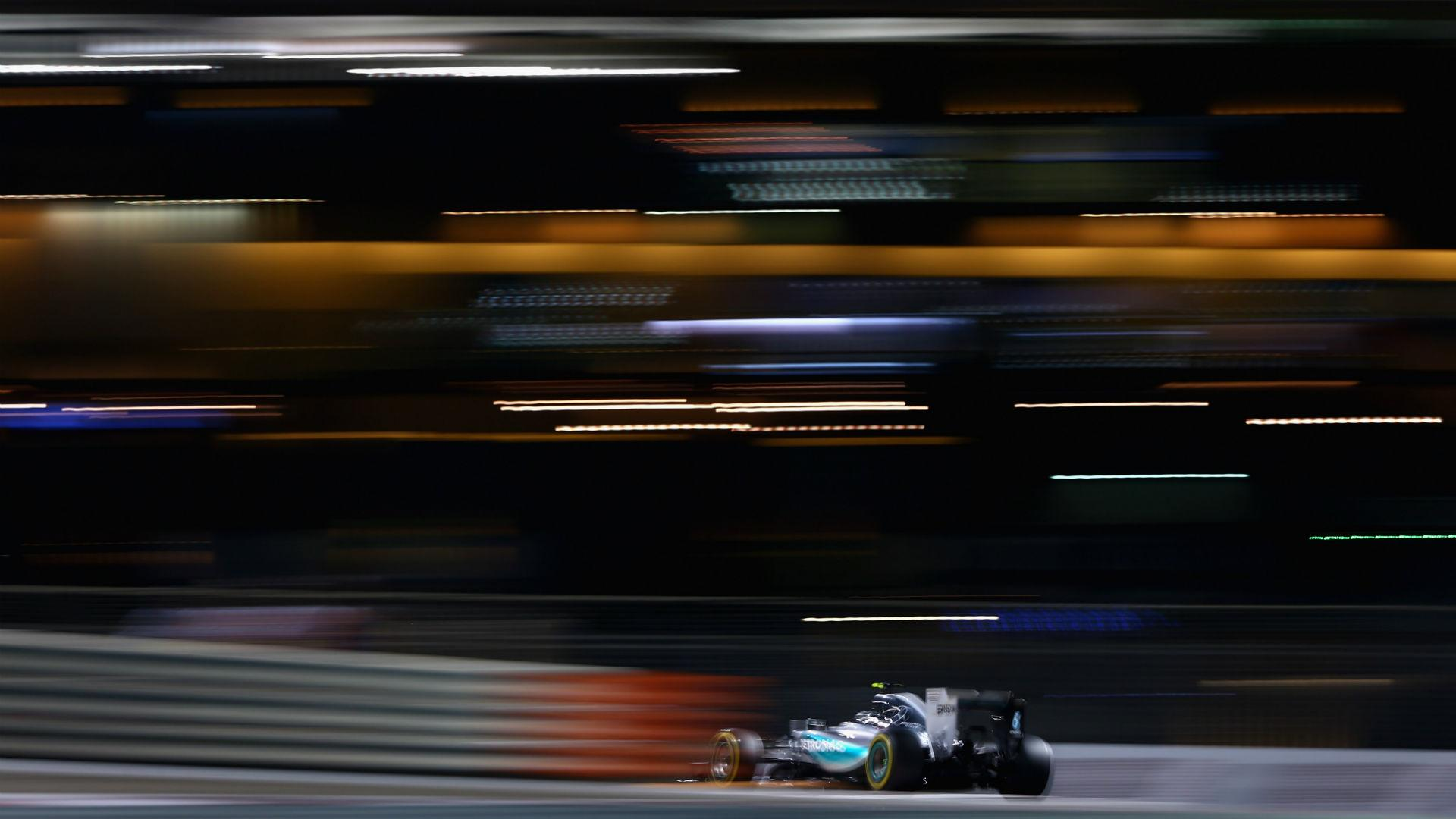 Sixth pole in a row for Rosberg