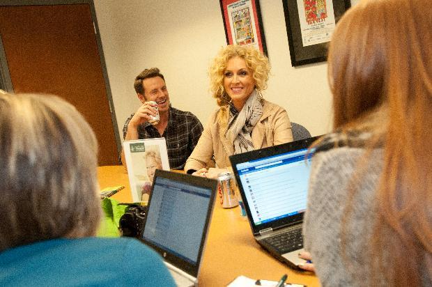 November 13, 2012, This year's Country Music Association Award winners, Little Big Town, sit down to answer questions from fans on Facebook. (Dean Dixon/AP Images for ConAgra)
