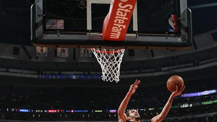 Noah leads Bulls to easy 109-90 win against Knicks