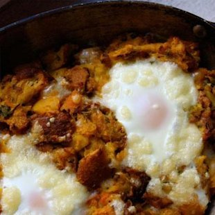 Baked eggs with stuffing