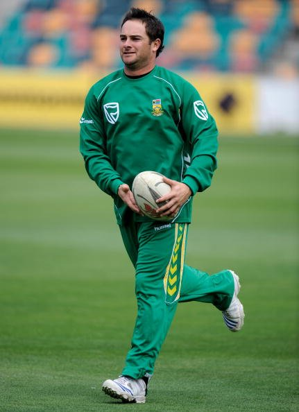 HOBART, AUSTRALIA - JANUARY 17:  Mark Boucher of South Africa in action during an South African training session held at Bellerive Oval January 17, 2009 in Hobart, Australia.  (Photo by Robert Cianflo