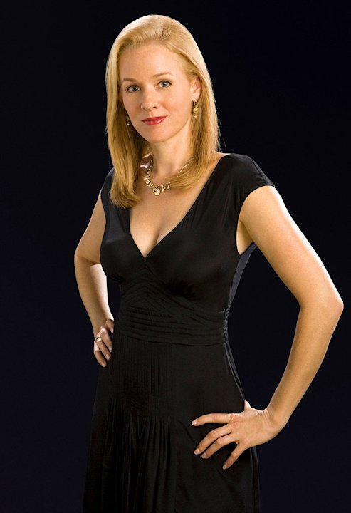 Penelope Ann Miller stars as Jessica Nevins in Vanished on FOX.